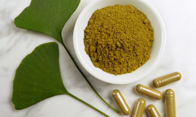"""Why you need """"herbal extracts"""" and not herbs in herbal male enhancement pills?"""
